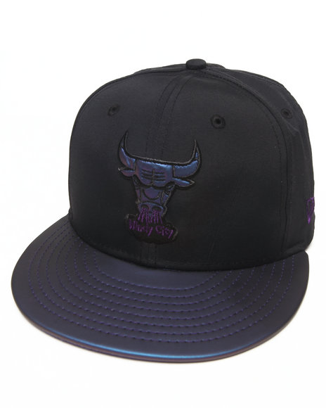 New Era - Men Black,Purple Chicago Bulls Viza Chrome 5950 Fitted Hat