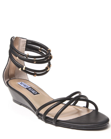 XOXO Black Donna Vegan Leather Zip Back Sandal