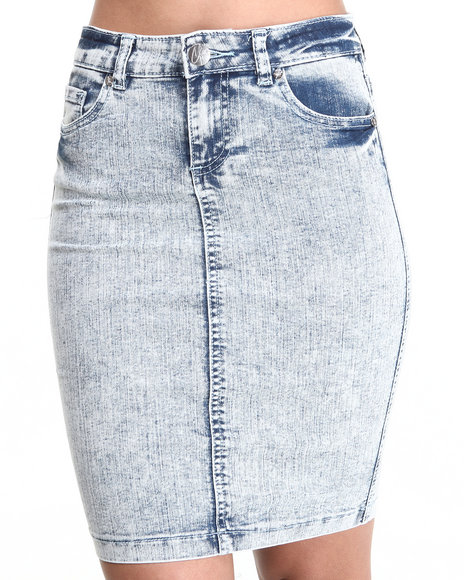 Almost Famous - Women Light Wash Acid Denim Skirt - $23.99