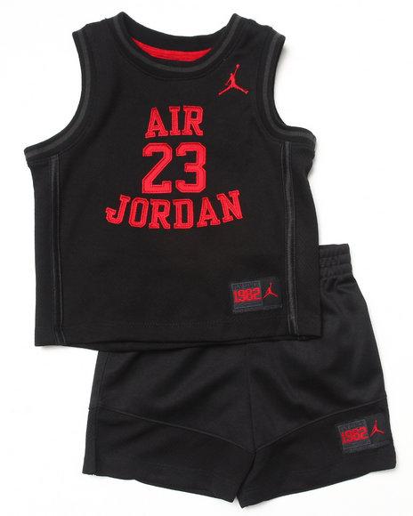 Air Jordan Boys Black Legacy Short Set (Infant)