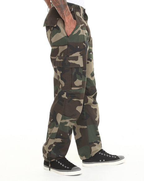 Basic Essentials - Men Camo Camo Cargo Pants