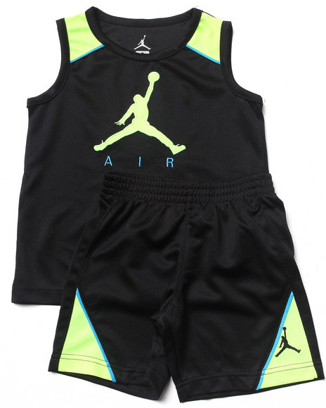 Air Jordan - Boys Black Retro 3 Tank Set (4-7)
