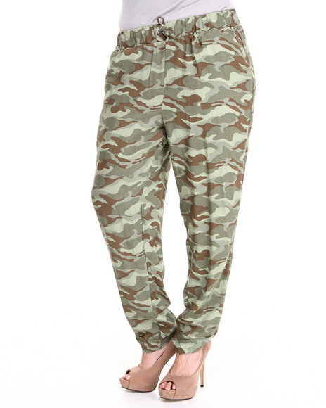 Fashion Lab - Women Camo Gi What What Allover Camo Print Challis Drawstring Pants ( Plus)