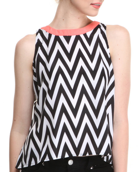 Apple Bottoms - Women Black,White Chevron Print Back Zip Top - $13.99