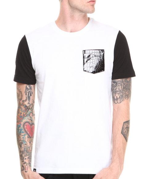 Akademiks - Men White Avanti Colorblock Tee W/ Croc Vegan Leather Pocket