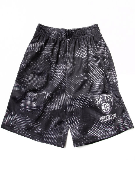 NBA MLB NFL Gear Boys Black Brooklyn Nets Digi Camo Shorts (8-20)
