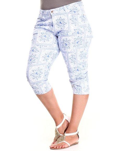 Fashion Lab - Women Blue Bandana Print Capri (Plus)
