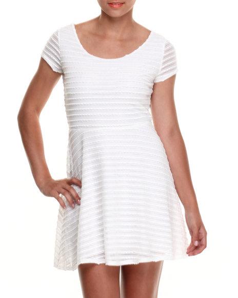 Paperdoll - Women White Bow Back Textured Knit Skater Dress