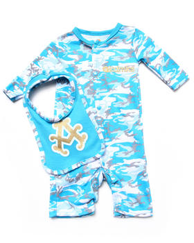 Akademiks - CAMO PLAYSUIT & BIB SET (NEWBORN)