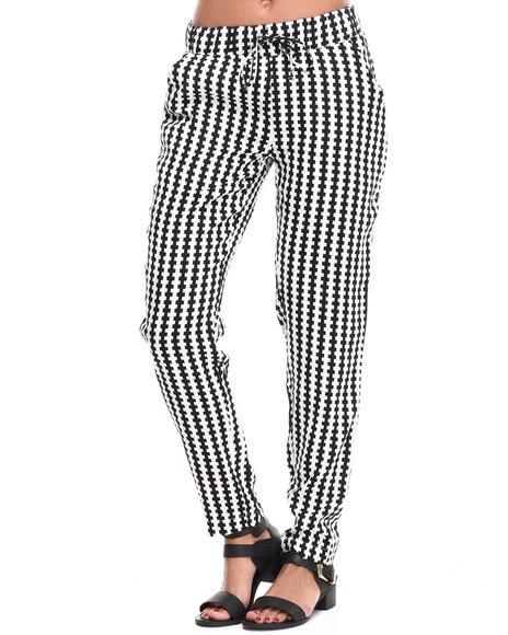 Fashion Lab Black,White Chekered Printed Chalis Pant