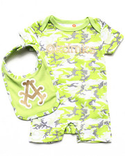 Boys - CAMO ROMPER & BIB SET (NEWBORN)