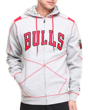 NBA, MLB, NFL Gear - Chicago Bulls Tip Hoodie