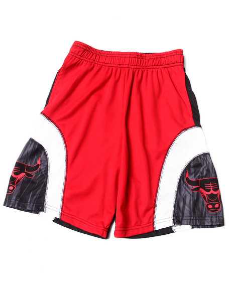 NBA MLB NFL Gear Boys Black Chicago Bulls Asphalt Shorts (8-20)