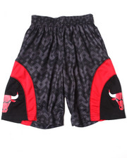 NBA MLB NFL Gear - Chicago Bulls Aztec Shorts (8-20)