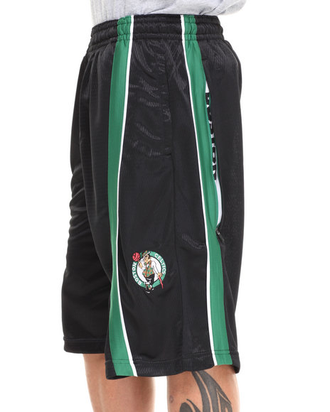 Nba, Mlb, Nfl Gear - Men Black,Green Boston Celtics Varsity Short - $16.99