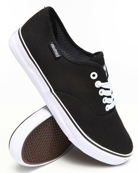 Akademiks - Men Black Zack Classic Canvas Shoe - $32.99