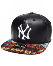 Men - New York Yankees Sleek Strapback Hat