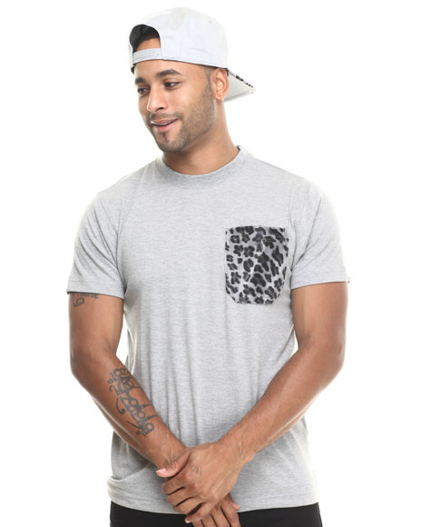 Basic Essentials - Men Grey Barefox Leopard - Print Snapback / Tee Set