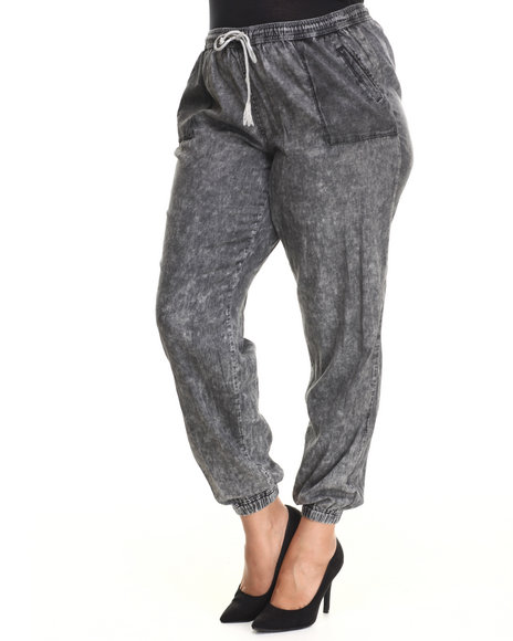 Fashion Lab - Women Charcoal Mixed Media Pocket Chambray Jogger Pant (Plus)