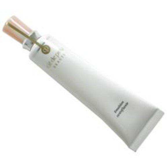 cle de peau revitalizing emulsion  40ml/1 3oz
