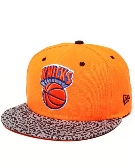 New Era - Men Orange,Orange New York Knicks Flect Hook 950 Snapback Hat