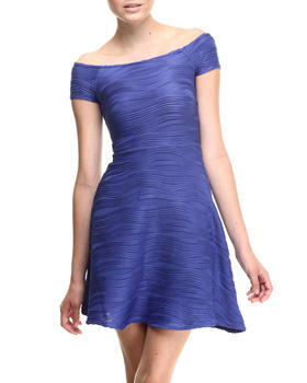 Almost Famous - Wave Textured Knit Skater Dress