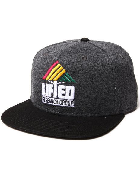 Lrg Pyramid Snapback Hat Black