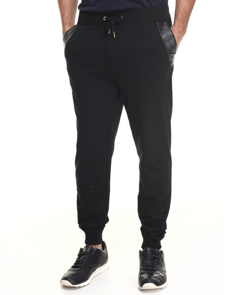 Akademiks - Men Black Washington Fleece Sweatpants W/ Faux Ostrich Detail - $44.00