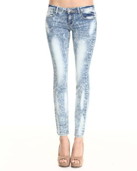 Basic Essentials - Women Light Wash Bleached Out Acid & Crinkle Skinny Jean