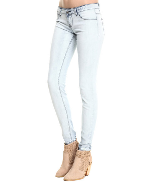 Basic Essentials - Women Light Wash Bleach Out Basic 5-Pocket Skinny