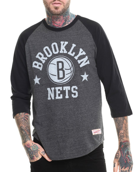 Mitchell & Ness - Men Black Brooklyn Nets Nba Media Guide Raglan Shirt (Tailored Fit/Trim Fit)
