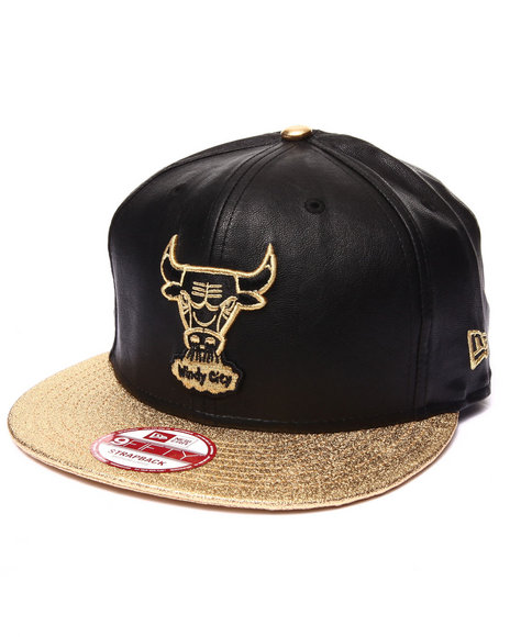 New Era - Men Black,Gold Chicago Bulls Metallic Gold/Vegan Leather Strapback Hat (Drjays.Com Exclusive)