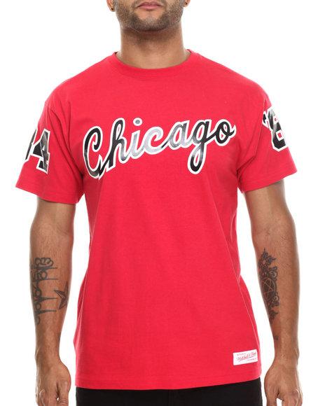 Mitchell & Ness - Men Red Chicago Bulls 84-85 Wordmark S/S Tee - $27.99
