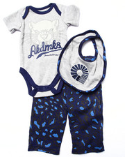 Boys - 3 PC SET - BODYSUIT, LEOPARD PANTS, & BIB (NEWBORN)