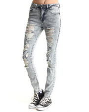 Basic Essentials - Annie Boyfriend Fit Jean w/destruction