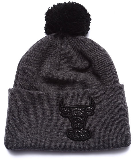 New Era Men Chicago Bulls Team Eclipse Knit Hat Black