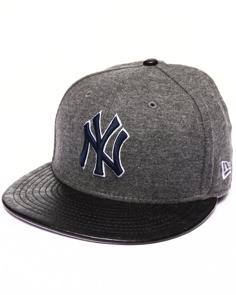 New Era - Men Grey New York Yankees Faux Leather Step Out 950 Strapback Hat