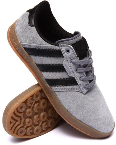 Ur-ID 199732 Adidas - Men Grey Seeley Cup Sneakers