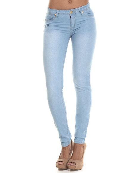 Apple Bottoms - Women Light Wash Bling Back Pocket Skinny Jean
