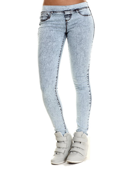 Basic Essentials - Women Light Wash Pull On Acid Skinny