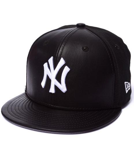 New Era - Men Black New York Yankees Wonder Front 950 Strapback Hat