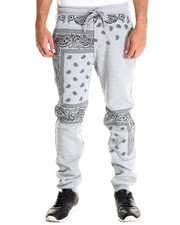 Basic Essentials - Paisley Print Fleece Pant