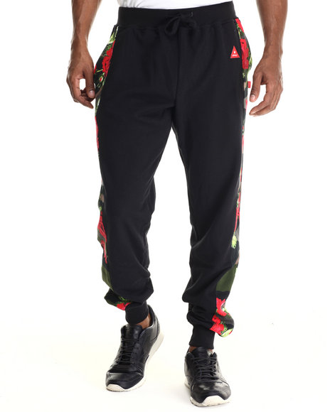 Ur-ID 212910 Asphalt Yacht Club - Men Black Floral Camo Jogger Pants