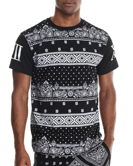 Buyers Picks - Men Black Multi Print Xxii S/S Tee (E-Longated Detail)