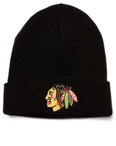 American Needle Men Chicago Blackhawks Team Logo Knit Hat Black - $20.00