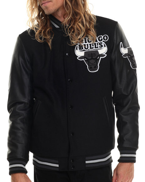 Nba, Mlb, Nfl Gear - Men Black Chicago Bulls Bogue Varsity Jacket W/ Vegan Leather Sleeves