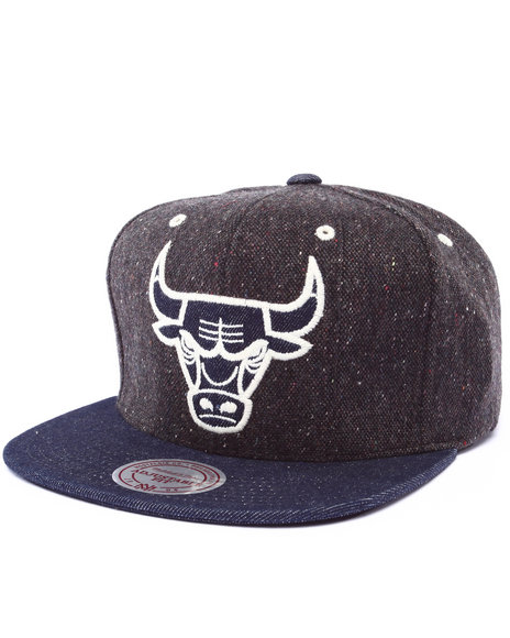 Ur-ID 222982 Mitchell & Ness - Men Indigo Chicago Bulls Nba Hwc Tweed Crown Denim Visor Strapback