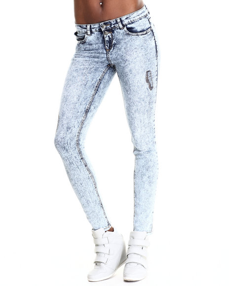 Basic Essentials - Women Light Wash Two Button Rip And Repair Skinny Jean - $36.00