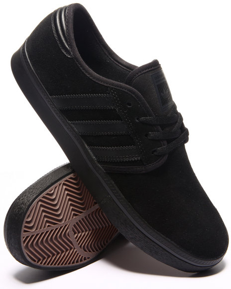 Adidas - Men Black Seeley Pro