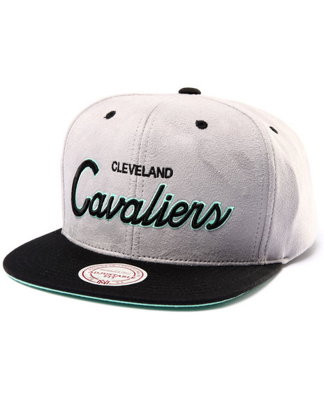 Mitchell & Ness Men Cleveland Cavaliers Lady Liberty Edition Snapback Grey